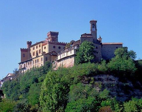 castello-e-chiesa-barolo